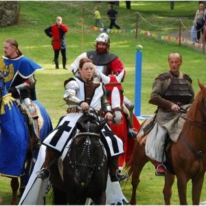 Ritterturnier, Ritter auf Pferden